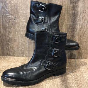 Enzo Angilioni Elliot 3 strap boots